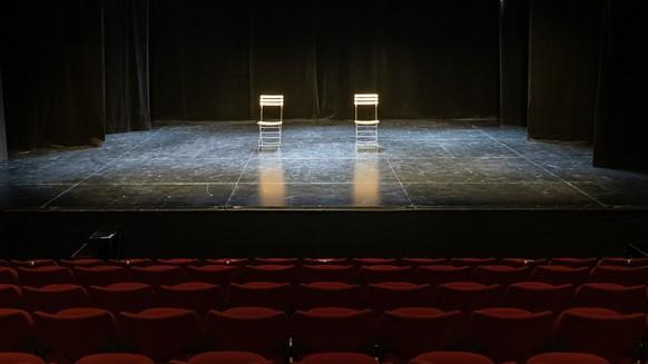 Der Theatersall mit den Zuschauerraengen des Theater Teatro Dimitri in Verscio, Tessin, Donnerstag, 18. Februar 2020. Das Theater ist zur Zeit wegen der geltenden Corona-Beschraenkungen geschlossen. (KEYSTONE/Ti-Press/Elia Bianchi)