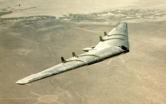 Flugzeug Quiz Planespotter Northrop YB-49 https://en.wikipedia.org/wiki/Flying_wing#/media/File:YB49-2_300.jpg