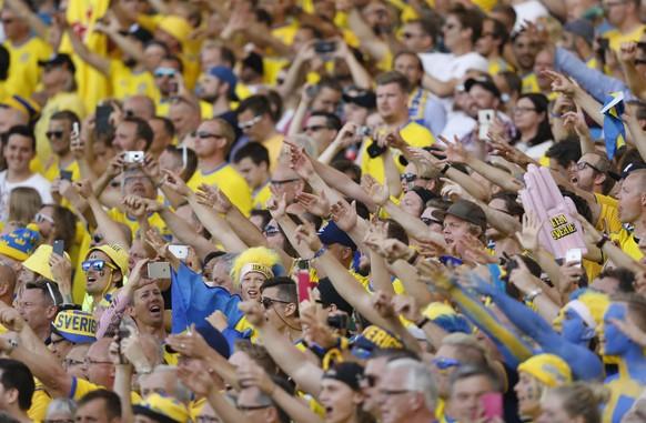 Football Soccer - Italy v Sweden - EURO 2016 - Group E - Stadium de Toulouse, Toulouse, France - 17/6/16 Sweden fans before the match REUTERS/ Regis Duvignau Livepic