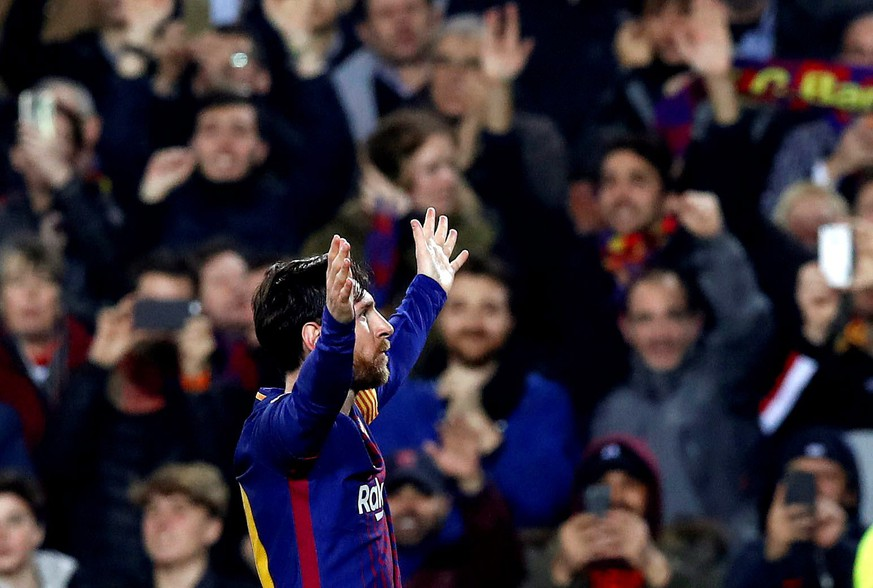 epa06604585 FC Barcelona's Lionel Messi reactsduring the UEFA Champions League Round of 16, second leg soccer match between FC Barcelona and Chelsea FC at Nou Camp stadium in Barcelona, Spain, 14 March 2018.  EPA/ALBERTO ESTEVEZ