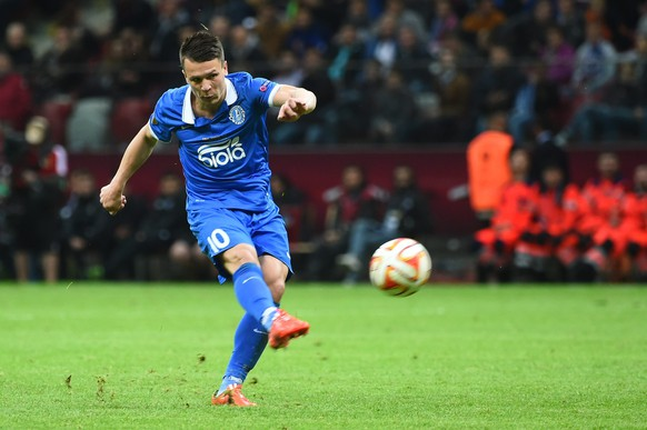 epa04771327 Dnipro's Yevhen Konoplyanka in action during the UEFA Europa League final between FC Dnipro Dnipropetrovsk and Sevilla FC at the National Stadium in Warsaw, Poland, 27 May 2015.  EPA/Jakub Kaczmarczyk