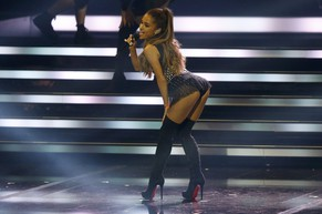 Ariana Grande performs during the Bambi 2014 media awards ceremony in Berlin November 13, 2014. The annual Bambi awards honours celebrities from the world of entertainment, literature, sports and politics.               REUTERS/Fabrizio Bensch (GERMANY  - Tags: ENTERTAINMENT)