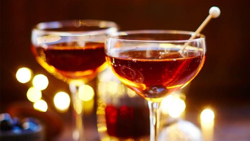 Für die Silvesterparty: Alle Champagner-Cocktails, die du je kennen musst