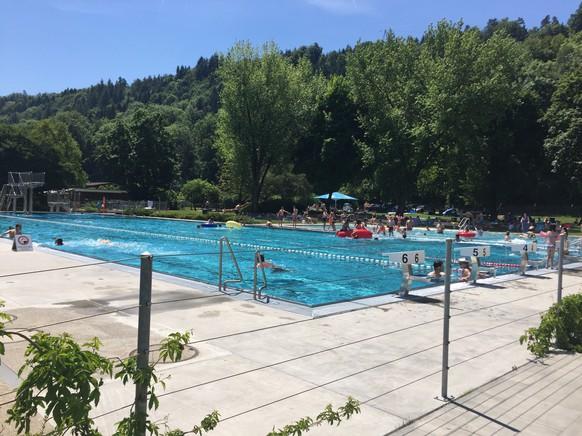 Die schönste Badi vom Zürcher Unterland ist in Glattfelden. Und hier noch der passende Soundtrack zum Sonntag: https://youtu.be/LZmi7InKU0I tel: null