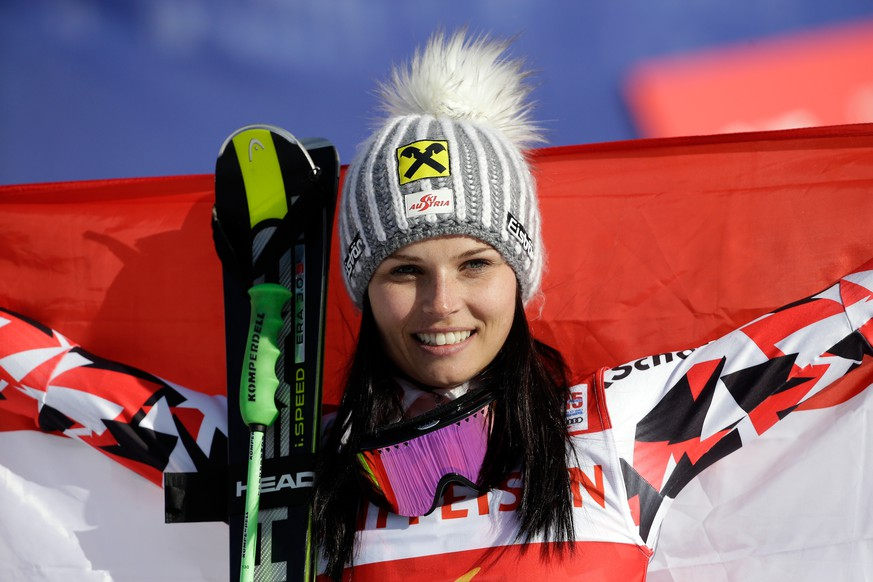 BEAVER CREEK, CO - FEBRUARY 12:  Gold medalist Anna Fenninger of Austria celebrates after winning the Ladies' Giant Slalom in Red Tail Stadium on Day 11 of the 2015 FIS Alpine World Ski Championships on February 12, 2015 in Beaver Creek, Colorado.  (Photo by Ezra Shaw/Getty Images)