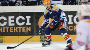 Der Laker Top Scorer Nicklas Danielsson im Eishockeyspiel der Platzierungsrunde der National League A zwischen den Rapperswil-Jona Lakers und den Kloten Flyers am Samstag, 28. Februar 2015, in der Diners Club Arena Rapperswil. (PHOTOPRESS/Thomas Oswald)