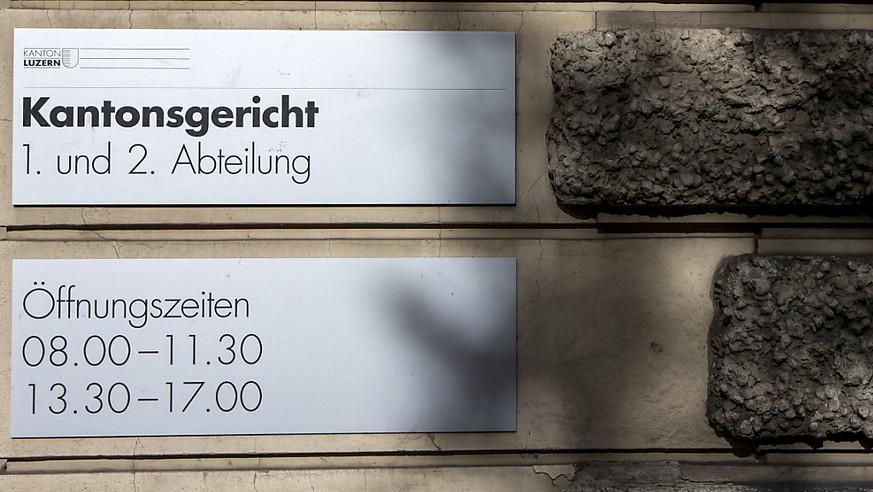 Luzerner Gericht verurteilt Journalistin wegen Hausfriedensbruchs