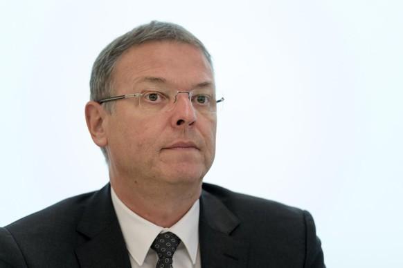 Kommandant Mark Burkhard spricht an einer Medienkonferenz betreffend die Reorganisation der Polizei Basel-Landschaft im Polizeihauptgebaeude in Liestal am Mittwoch, 2. November 2016. (KEYSTONE/Georgios Kefalas)