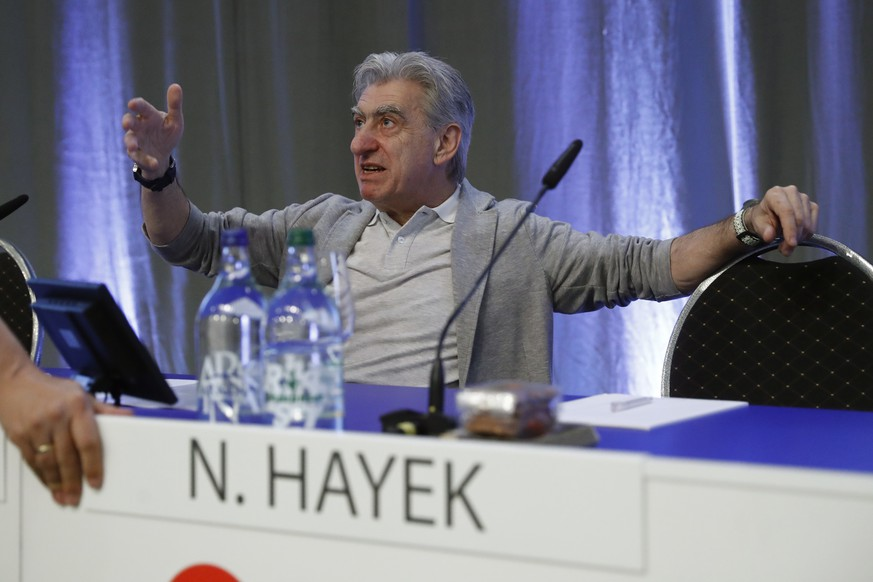 epa07593450 Nick Hayek, CEO Swatch Group, speaks to a participant, ahead of the ordinary general meeting of shareholders of Swatch Group at the Tissot Velodrome, in Grenchen, Switzerland, 23 May 2019.  EPA/PETER KLAUNZER