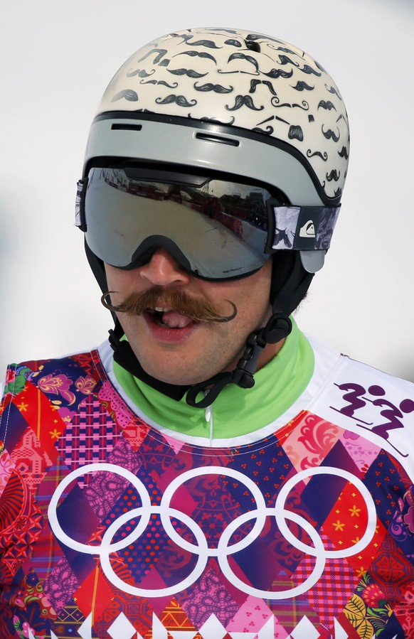 Slovenia's Filip Flisar reacts during the men's freestyle skiing skicross qualification round at the 2014 Sochi Winter Olympic Games in Rosa Khutor February 20, 2014.  REUTERS/Mike Blake (RUSSIA  - Tags: SPORT SKIING OLYMPICS TPX IMAGES OF THE DAY)