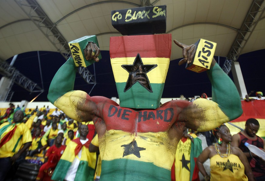 A Ghana fan poses before their semi-final soccer match of the 2015 African Cup of Nations against Equatorial Guinea in Malabo,  February 5, 2015. REUTERS/Amr Abdallah Dalsh     (EQUATORIAL GUINEA - Tags: SPORT SOCCER)
