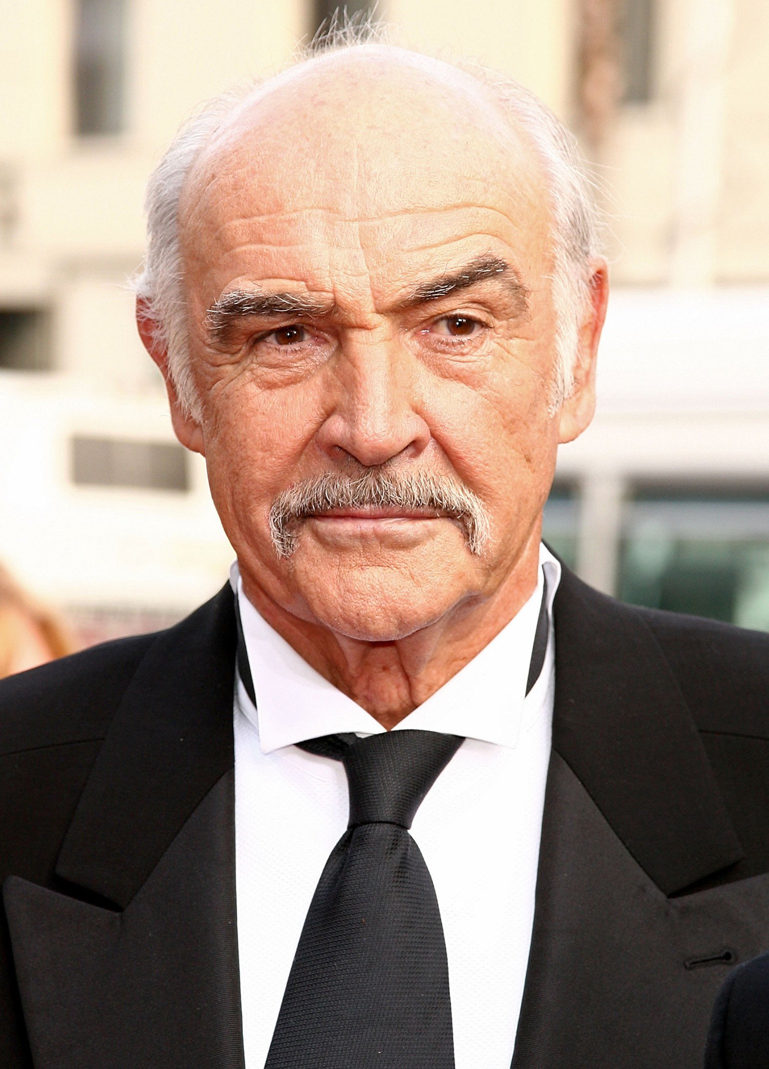 HOLLYWOOD - JUNE 08:  Actor Sean Connery arrives at the 34th AFI Life Achievement Award tribute to Sir Sean Connery held at the Kodak Theatre on June 8, 2006 in Hollywood, California.  (Photo by Kevin Winter/Getty Images for AFI)