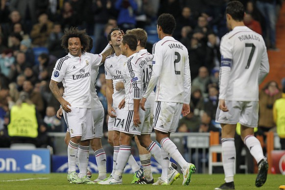 09.12.2014; Madrid; Fussball Champions League - Real Madrid - Ludogorets Razgrad;von links nach rechts: Marcelo (Madrid), Alvaro Arbeloa (Madrid), Javier Chicharito Hernandez (Madrid), Asier Illarramendi (Madrid), Raphael Varane (Madrid) und Cristiano Ronaldo (Madrid) jubeln nach dem 3:0 durch Alvaro Arbeloa (Madrid)(Jose Luis Cuesta/freshfocus)