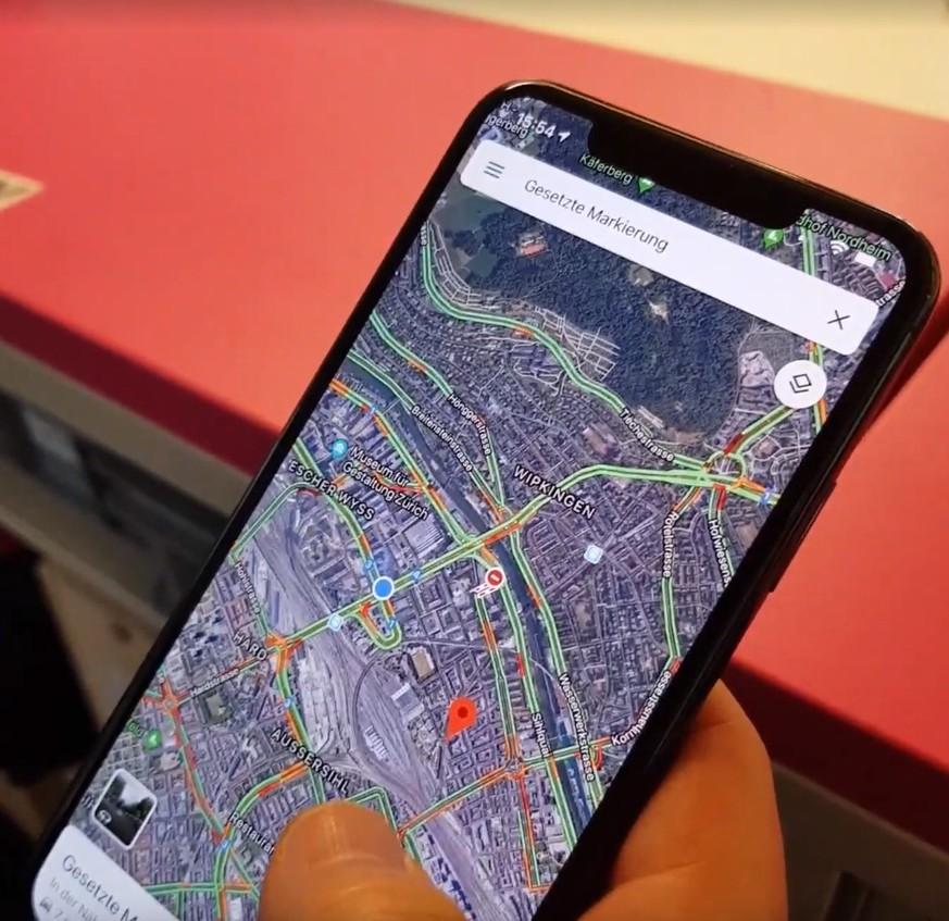Bei Google Maps kannst du auch mit nur einem Finger zoomen – so geht's