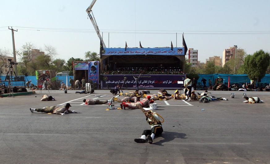 Elitesoldaten bei Angriff auf Militärparade in Iran getötet