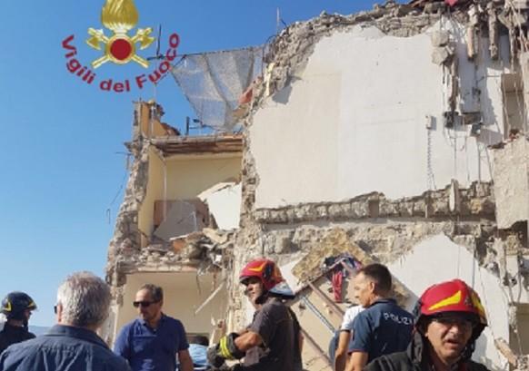 Drei Tote nach Gebäudeeinsturz nahe Neapel