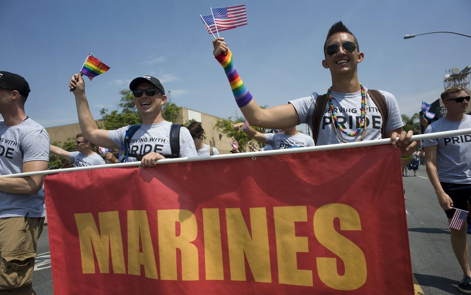 Donald Trump will Trans-Verbot im Militär doch aufrecht erhalten
