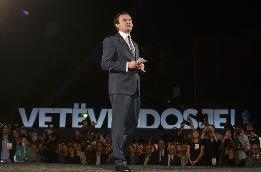 epa06020045 Albin Kurti, parliamentary elections Prime Minister candidate and founder of the biggest opposition party Self-determination (Vetevendosje) holds a speech during the closing election rally in Pristina, Kosovo, 09 June 2017. Kosovo's early elections will be held on 11 June 2017.  EPA/STRINGER