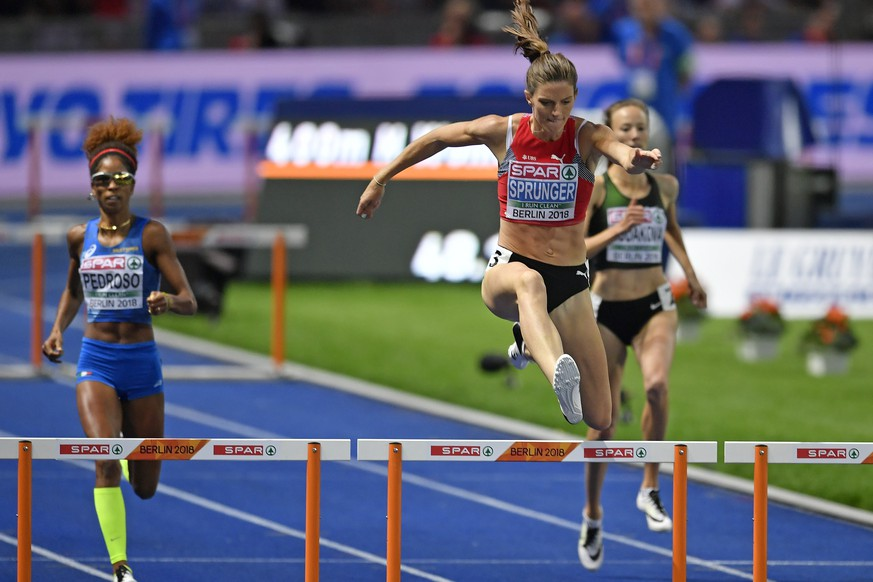 Switzerland's Lea Sprunger runs during the women's 400m hurdles final at the 2018 European Athletics Championships in the Olympiastadion stadium in Berlin, Germany, Friday, August 10, 2018. The 2018 European Athletics Championships will be held in Berlin from August 06 until 12, 2018. (KEYSTONE/Walter Bieri)
