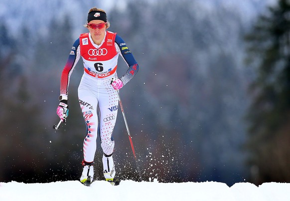 epa05088469 Sophie Caldwell of the USA in action during the qualification round of the women's 1.2km sprint event of the FIS Tour de Ski as part of the Cross Country Skiing World Cup in Oberstdorf, Germany, 05 January 2016. Caldwell took the third place.  EPA/KARL-JOSEFHILDENBRAND