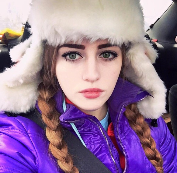 Julia Vins, Muskel-Barbie