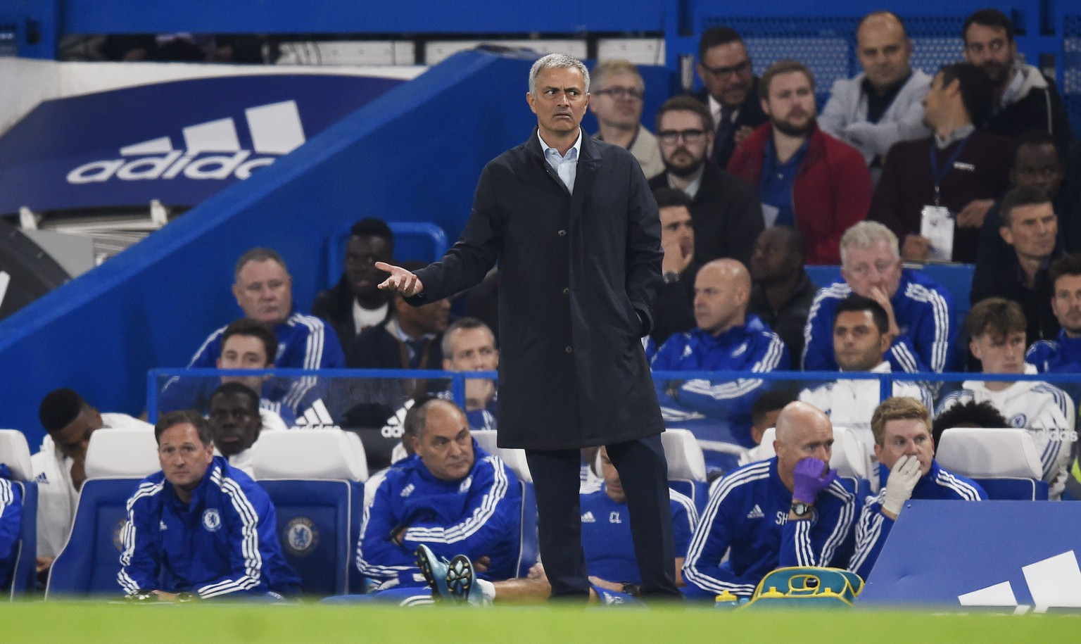 Football - Chelsea v Southampton - Barclays Premier League - Stamford Bridge - 3/10/15