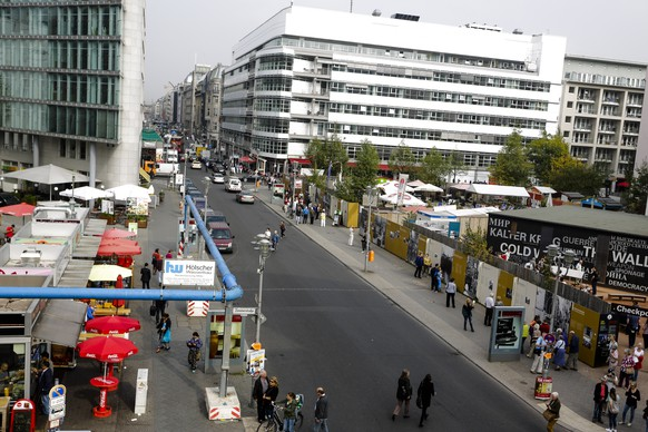 Raubüberfall in Berlin: Schüsse am Checkpoint Charlie
