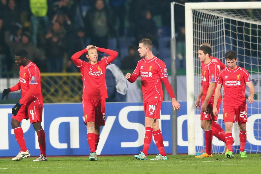 SOFIA, BULGARIA - NOVEMBER 26:  Jordan Henderson (C) of Liverpool and team mates look dejected after conceding the second goal during the UEFA Champions League Group B match between Ludogorets Razgrad and Liverpool at the Vasil Levski Stadium on November 26, 2014 in Sofia, Bulgaria.  (Photo by Michael Steele/Getty Images)