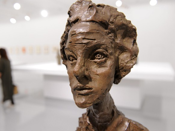 epa05284309 The sculpture by Swiss artist Alberto Giacometti (Bust of Annette IV 1962) is pictured his retrospective exhibition in Rabat, Marocco, 30 April 2016. The exhibition runs until 04 September 2016.  EPA/ABDELHAK SENNA