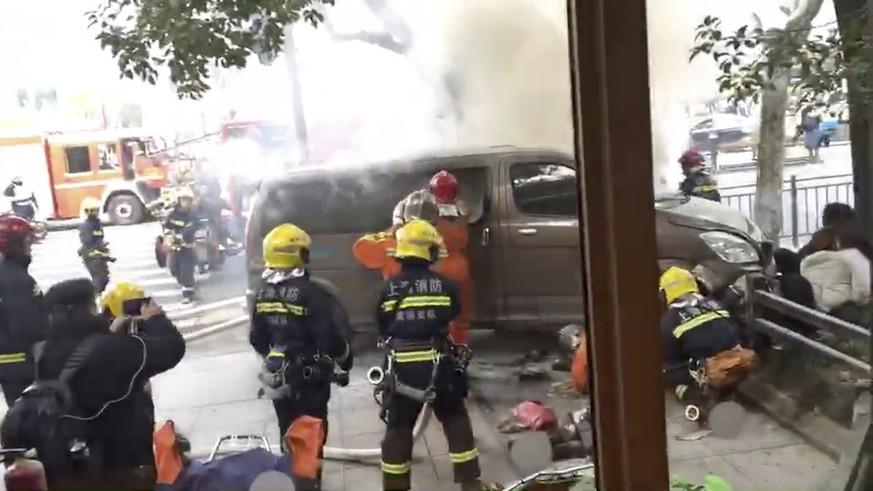 Shanghai: Lieferwagen rast in Menschenmenge - mindestens 18 Verletzte