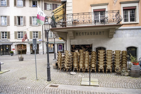 Ein geschlossenes Restaurant in Luzern, am Samstag, 27. Februar 2021. Restaurants muessen auch in der ersten Etappe zur Lockerung aus dem Lockdown durch den Bundesrat am 1. Maerz geschlossen bleiben. (KEYSTONE/Urs Flueeler)
