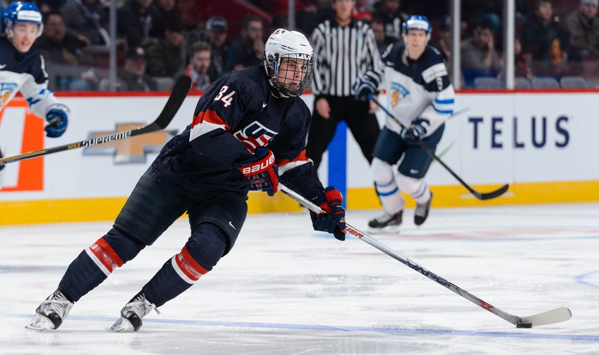 MONTREAL, QC - DECEMBER 26:  Auston Matthews #34 of Team United States skates during the 2015 IIHF World Junior Hockey Championship game against Team Finland at the Bell Centre on December 26, 2014 in Montreal, Quebec, Canada.  Team United States defeated Team Finland 2-1 in a shootout.  (Photo by Minas Panagiotakis/Getty Images)
