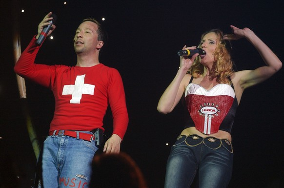 DJ Bobo, left, and his wife Nancy perform on stage in Zurich, Switzerland, Sunday, November 2, 2003. (KEYSTONE/Dorothea Mueller)