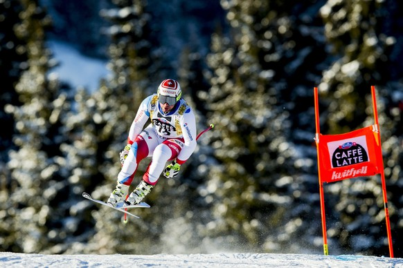 epa05810472 Beat Feuz of Switzerland in action during the men's Downhill training at the FIS Alpine Skiing World Cup event in Kvitfjell, Norway, 23 February 2017.  EPA/VEGARD WIVESTAD GROTT NORWAY OUT