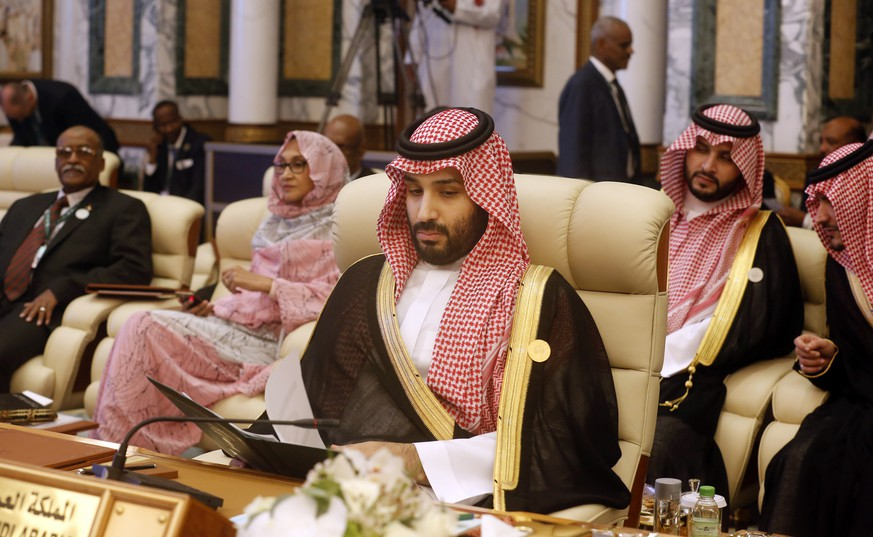 Saudi Crown Prince Mohammed bin Salman, attends an emergency summit of Gulf Arab leaders in Mecca, Saudi Arabia, Thursday, May 30, 2019. Saudi Arabia's King Salman opened an emergency summit of Gulf Arab leaders in the holy city of Mecca on Thursday with a call for the international community to use all means to confront Iran, but he also said the kingdom extends its hand for peace. (AP Photo/Amr Nabil)