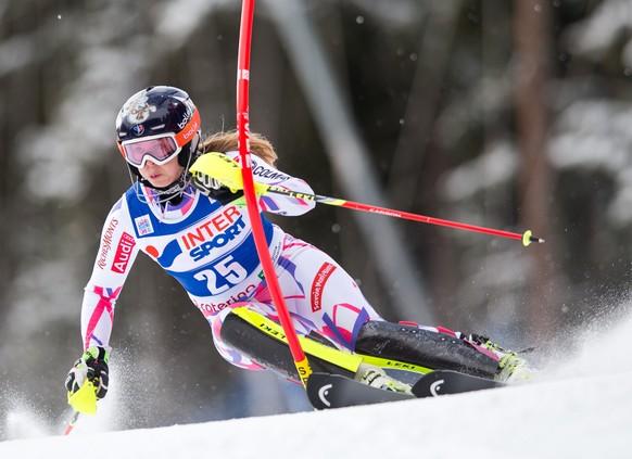 05.01.2015; Santa Caterina; Ski alpin - Slalom Frauen; Anne-Sophie Barthet (FRA)(Johann Groder/Expa/freshfocus)