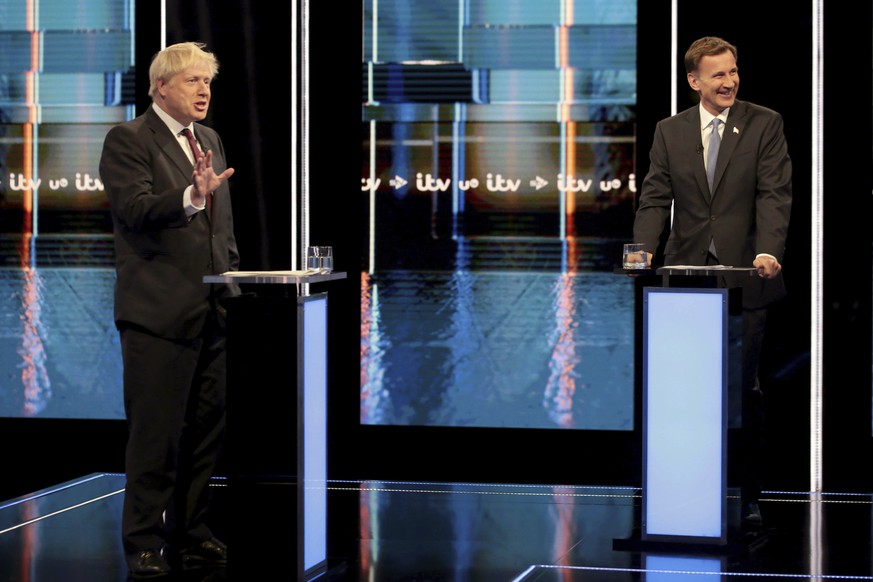 Johnson gibt den Hardliner - und verstrickt sich in Widersprüche