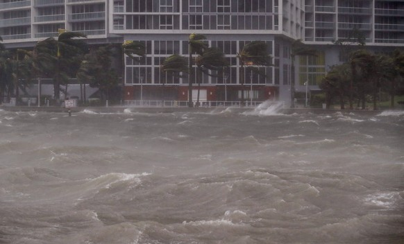 epa06196620 The rough waters where the Miami River meets Biscayne Bay shows the full effects of Hurricane Irma strike in Miami, Florida, USA, 10 September 2017. The National Hurricane Center has rated Irma as a Category 4 storm as the eye crosses the lower Florida Keys.  EPA/ERIK S. LESSER