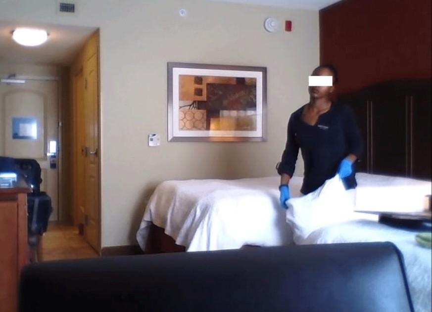 скрытая камера а отеле она может