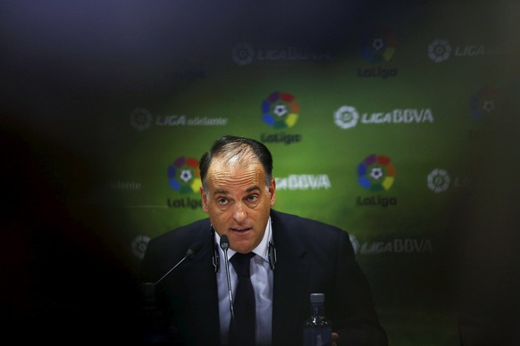 Spain's professional football league (LFP) president Javier Tebas reacts during a news conference in Madrid, Spain, May 11, 2015. Spain's professional football league (LFP) has taken legal steps to overturn a decision by the football federation (RFEF) to suspend matches from May 16 over a dispute with the government on a new TV rights law. REUTERS/Susana Vera