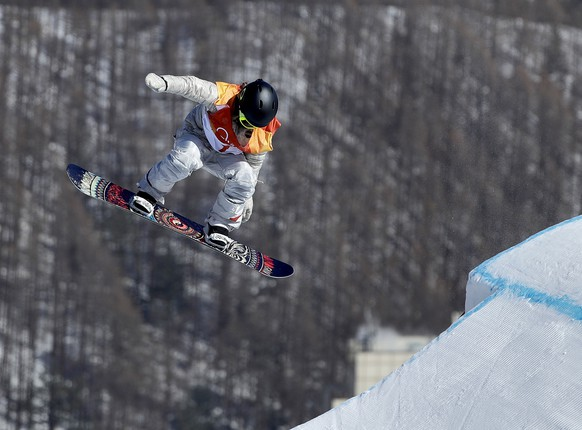 JamieAnderson, of the United States, jumps during the women's slopestyle final at Phoenix Snow Park at the 2018 Winter Olympics in Pyeongchang, South Korea, Monday, Feb. 12, 2018. (AP Photo/Gregory Bull)