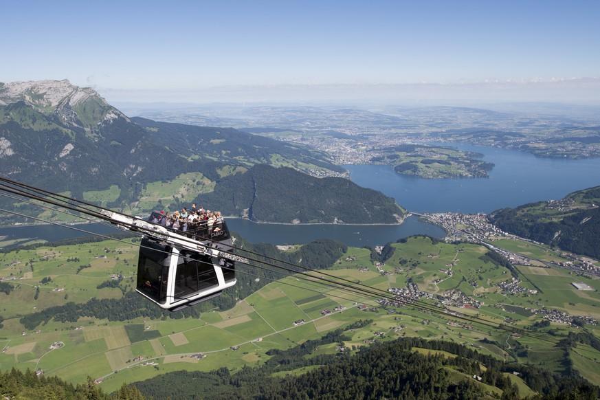 Gäste wegen defekter Cabrio-Luftseilbahn mit Helis ausgeflogen