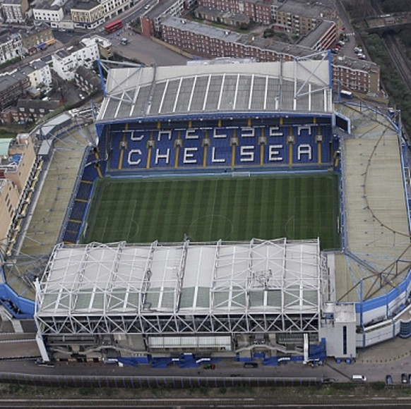 Aerial Views Of Central London...LONDON - MARCH 25:  An aerial view of Stamford Bridge, home of Chelsea football club March 25, 2007 in London, England.  (Photo by Mike Hewitt/Getty Images)