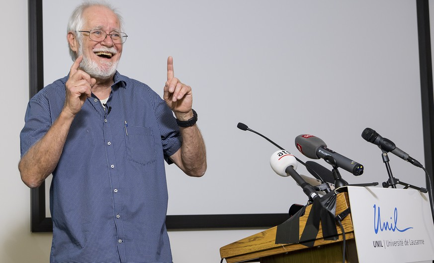 Jacques Dubochet, University of Lausanne, one of the 2017 Nobel Prize winners in Chemistry speaks during a press conference at the Universitiy of Lausanne, UNIL, Switzerland, Wednesday, October 4, 2017. The Karolinska Institute of Stockholm, Sweden, announced 04 October 2017, that scientists Jacques Dubochet, University of Lausanne, Switzerland, Joachim Frank, Columbia University, New York, USA and Richard Henderson, MRC Laboratory of Molecular Biology, Cambridge, Britain were awarded with the 2017 Nobel Prize in Chemistry for «developing cryo-electron microscopy for the high-resolution structure determination of biomolecules in solution». (KEYSTONE/Jean-Christophe Bott)