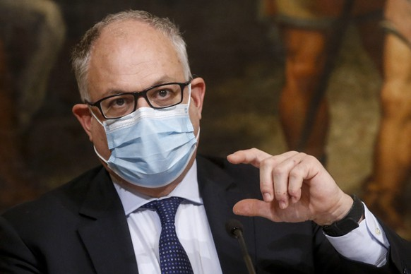 epa08778779 Italian Economy Minister, Roberto Gualtieri, attends a press conference during the second wave of the Covid-19 Coronavirus pandemic, at Chigi Palace in Rome, Italy, 27 October 2020.  EPA/FABIO FRUSTACI