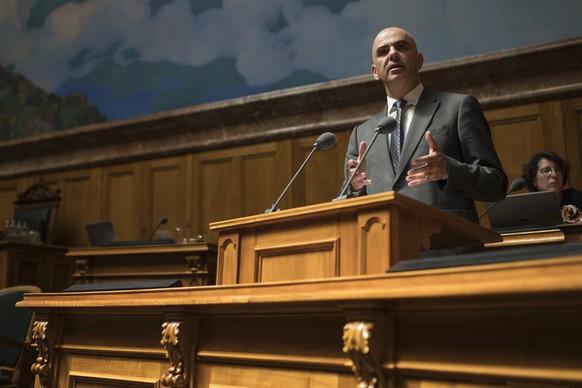 Bundesrat Alain Berset spricht waehrend der Fragestunde an der Sommersession der Eidgenoessischen Raete, am Montag, 17. Juni 2019 im Nationalrat in Bern. (KEYSTONE/Alessandro della Valle)