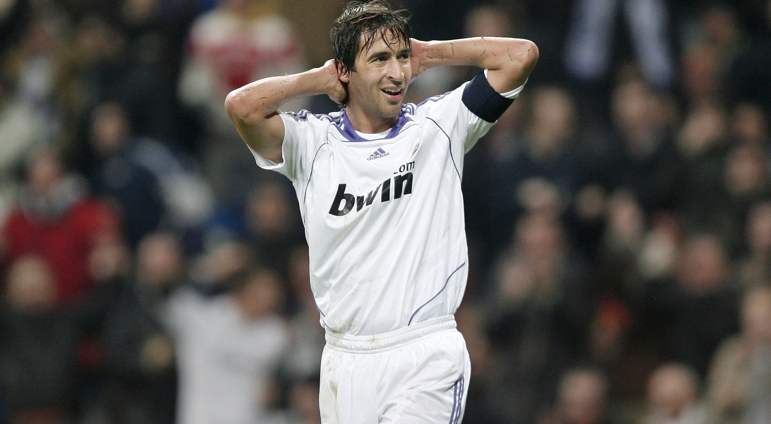 MADRID, SPAIN - DECEMBER 11:  Raul Gonzalez of Real Madrid reacts during the UEFA Champions League Group C match between Real Madrid and Lazio at the Santiago Bernabeu stadium on December 11, 2007 in Madrid, Spain. Real Madrid won the match 3-1.  (Photo by Jasper Juinen/Getty Images)