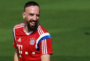 DOHA, QATAR - JANUARY 13:  Franck Ribery reacts during day 5 of the Bayern Muenchen training camp at ASPIRE Academy for Sports Excellence on January 13, 2015 in Doha, Qatar.  (Photo by Alex Grimm/Bongarts/Getty Images)