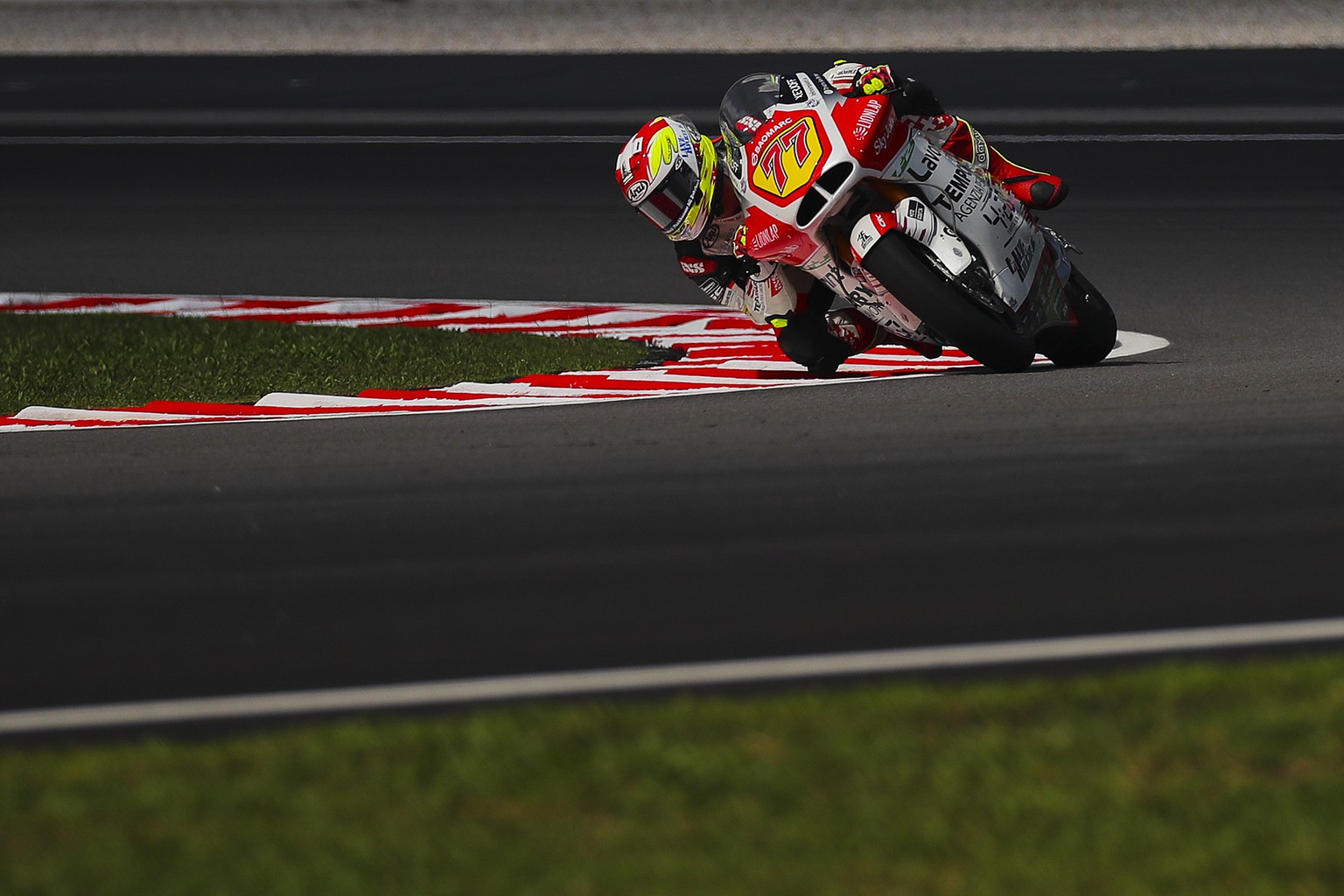 epa07963665 Swiss Moto2 rider Dominique Aegerter of the MV Agusta Temporary Forward during the free practice of the Motorcycle Grand Prix of Malaysia 2019 at Sepang International Circuit in Sepang, Selangor, Malaysia, 01 November 2019. The 2019 Malaysia Motorcycling Grand Prix will take place on 03 November 2019.  EPA/FAZRY ISMAIL
