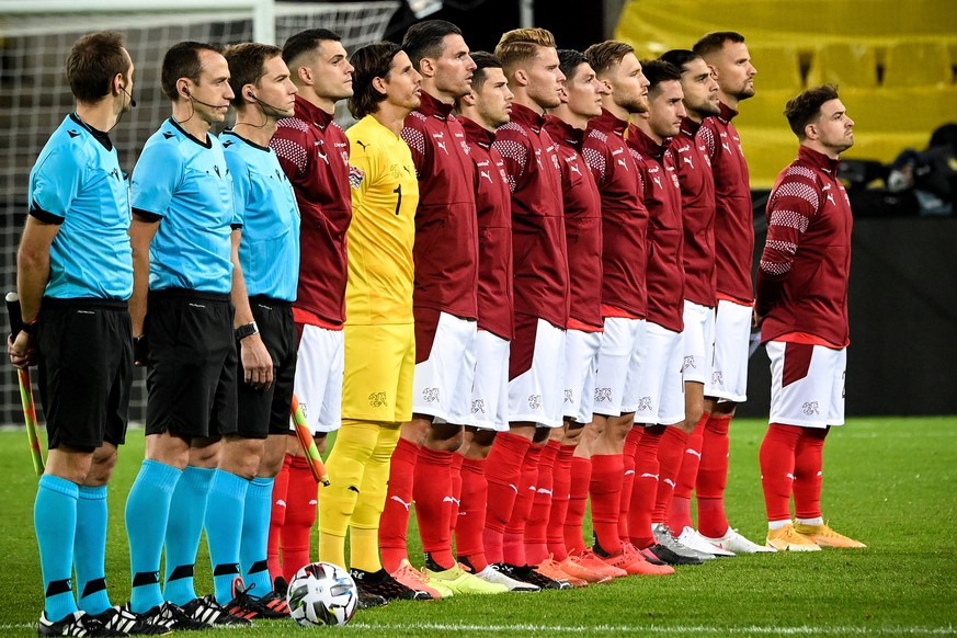 epa08741569 Switzerland?s starting eleven poses prior to the UEFA Nations League group stage, league A, group 4 soccer match  between Germany and Switzerland in Cologne, Germany, 13 October 2020.  EPA/SASCHA STEINBACH